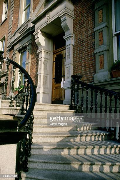staircase in front of a building, dublin, republic of ireland - dublin republic of ireland stock pictures, royalty-free photos & images