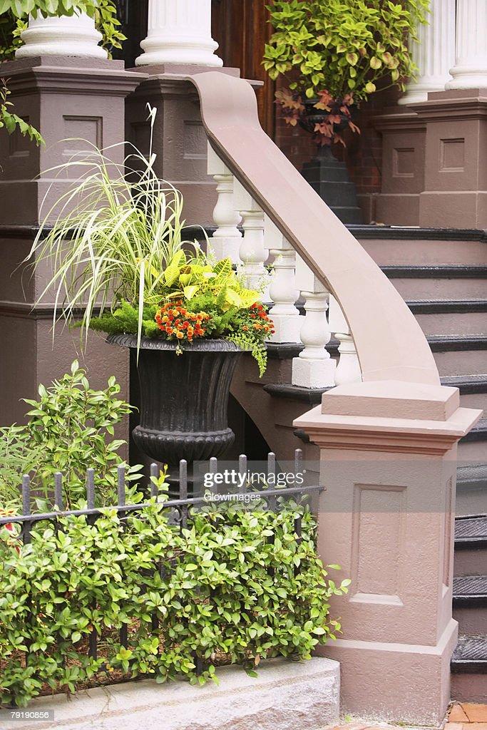 Staircase of a building, Savannah, Georgia, USA : Foto de stock