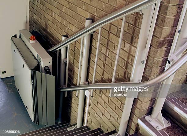 cadeira elevatória - elevador de escada imagens e fotografias de stock