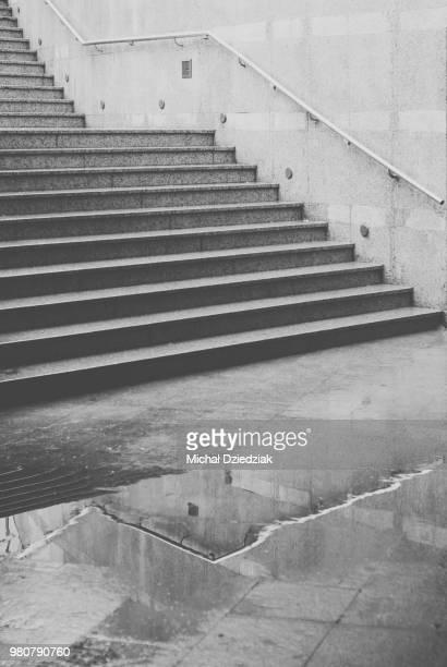 stairs - モダンロック ストックフォトと画像