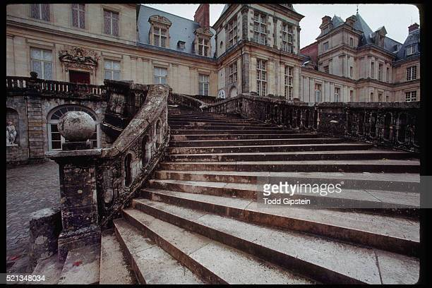 stairsway at fountainbleau - gipstein stock pictures, royalty-free photos & images