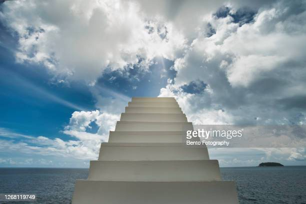 stairway to heaven - 天国 ストックフォトと画像