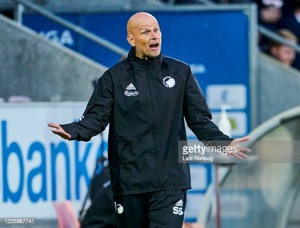 Stale Solbakken, head coach of FC Copenhagen shows frustration during the Danish 3F Superliga match between FC Midtjylland and FC Copenhagen at MCH...