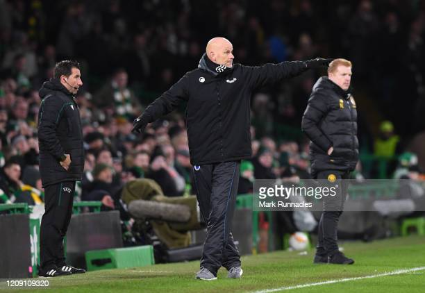 Stale Solbakken, Manager of FC Copenhagen during the UEFA Europa League round of 32 second leg match between FC Porto and Bayer 04 Leverkusen at...