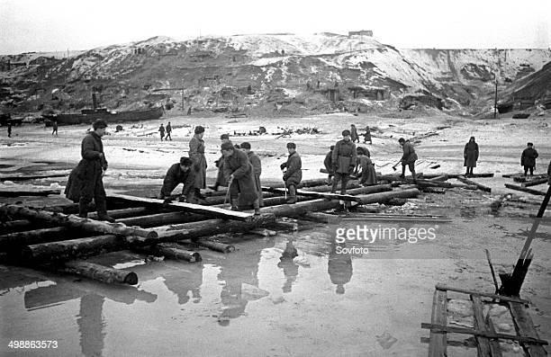Stalingrad December 1942 Combat engineers building a Volga River crossing World War Two