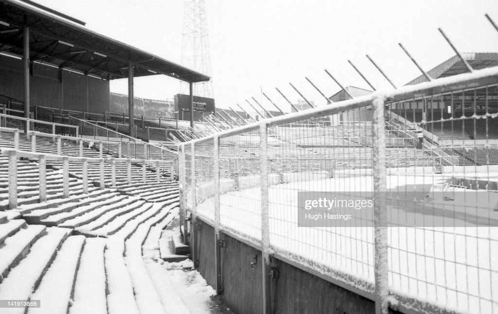 Stamford Bridge the home of Chelsea FC under snow during December ...