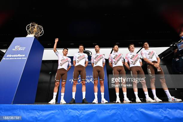 Stan Dewulf of Belgium, Julien Duval of France, Alexis Gougeard of France, Lawrence Naesen of Belgium, Oliver Naesen of Belgium, Clément Venturini of...
