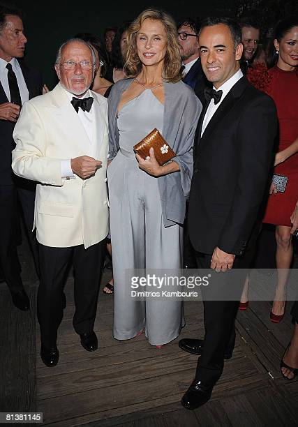 Stan Herman actress Lauren Hutton and designer Francisco Costa attend the 2008 CFDA Fashion Awards at The New York Public Library on June 2 2008 in...