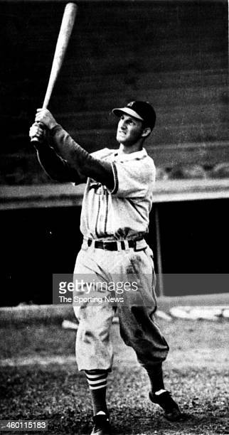Stan Musial of the St Louis Cardinals bats circa 1950