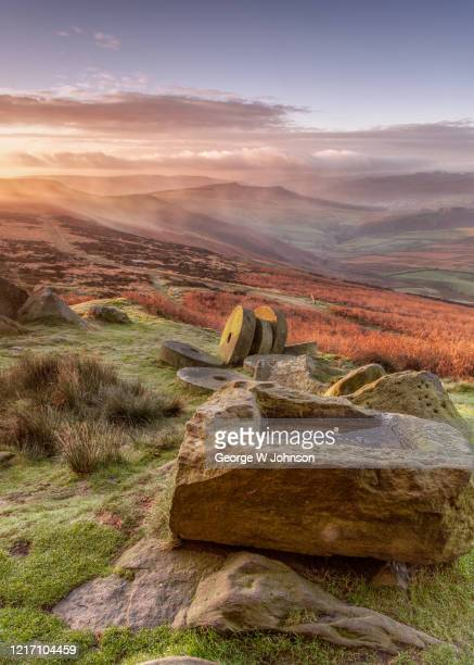 stanage edge ii - south yorkshire stock pictures, royalty-free photos & images