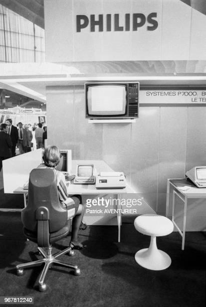 Stand d'ordinateur Philips lors du 34ème salon du SICOB à Paris le 22 septembre 1983 France