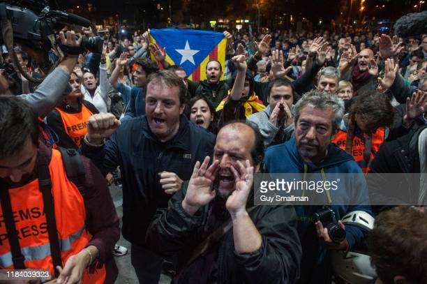 Stand off ensues between hundreds of demonstrators protesting for Catalan independence and the Mossos whom mobilised to stop the protestors entering...
