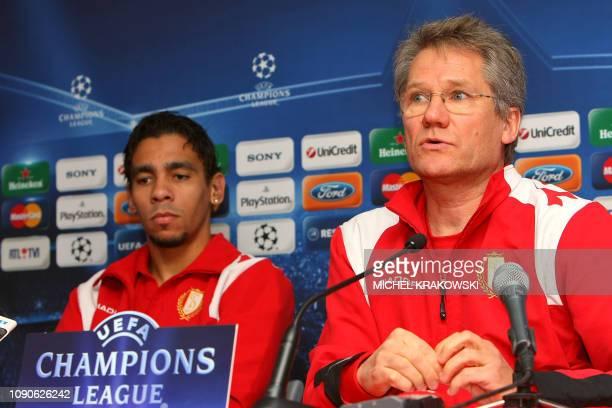Standard de Liege's Belgian striker Igor De Camargo and head coach Laszlo Boloni of Romania answer to journalists on December 8 2009 during a press...