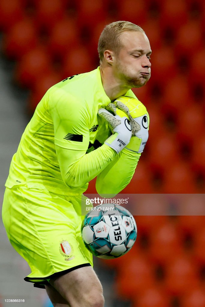 Standard s Goalkeeper Arnaud Bodart Pictured In Action During The News Photo Getty Images