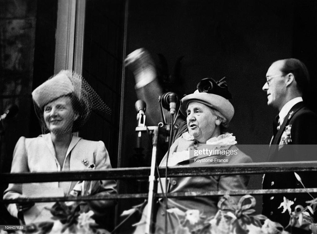 Queen Juliana Of Holland, Queen Wilhelmina And Prince Bernhard In Amsterdam In 1948 : News Photo