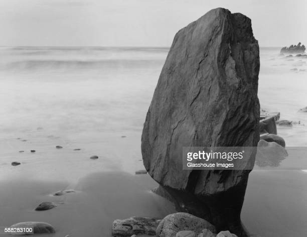 standing stone, achil island, county mayo, ireland - boulder county stock pictures, royalty-free photos & images