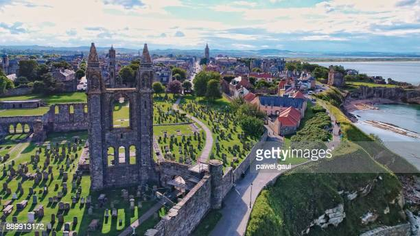 st.andrews aerial scotland - st. andrews scotland stock pictures, royalty-free photos & images
