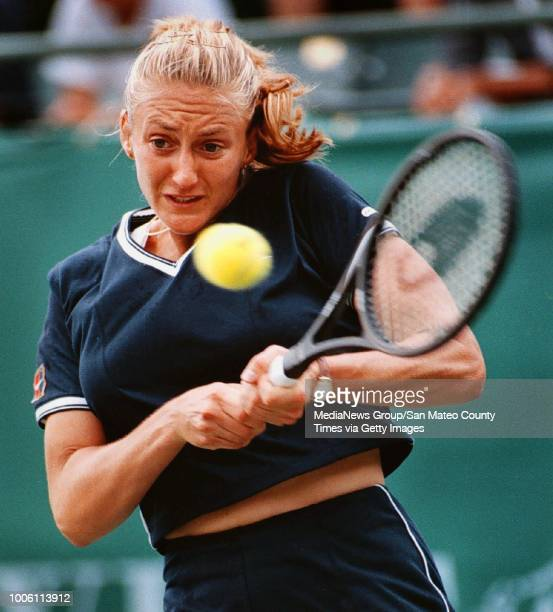 Mary Pierce smacks a backhand during her firstround upset loss at the hands of Stanford University's Anne Kremer Wednesday in the Bank of the West...