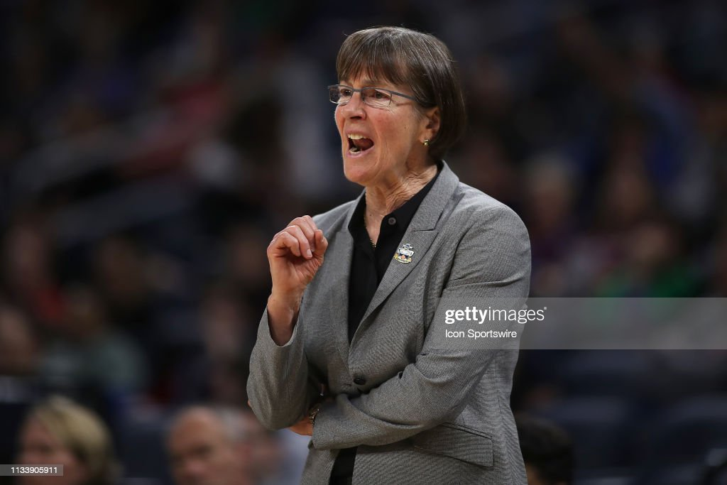 NCAA BASKETBALL: MAR 30 Div I Women's Championship - Third Round - Missouri State v Stanford Cardinal : News Photo