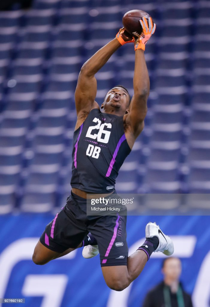 Stanford defensive back Quenton Meeks (DB26) goes up to make a catch during the NFL Scouting Combine at Lucas Oil Stadium on March 5, 2018 in Indianapolis, Indiana.