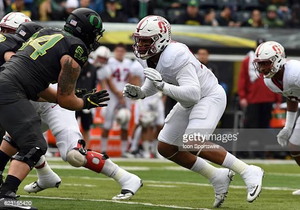 Stanford University DE Solomon Thomas rushes against University of Oregon OL Calvin Throckmorton during a PAC12 NCAA football game between the Oregon...