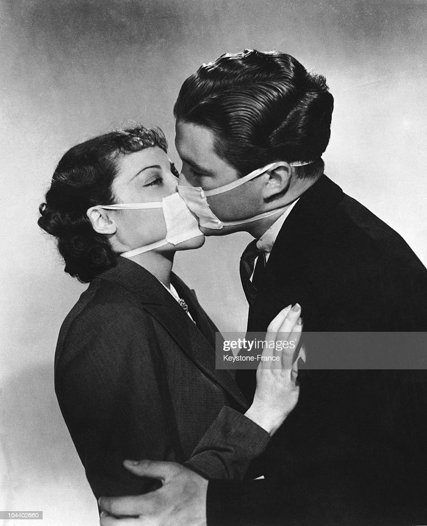 A Veiled Kiss : Foto jornalística