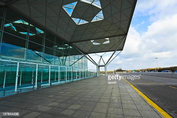 stansted airport hall - stansted airport stock pictures, royalty-free photos & images