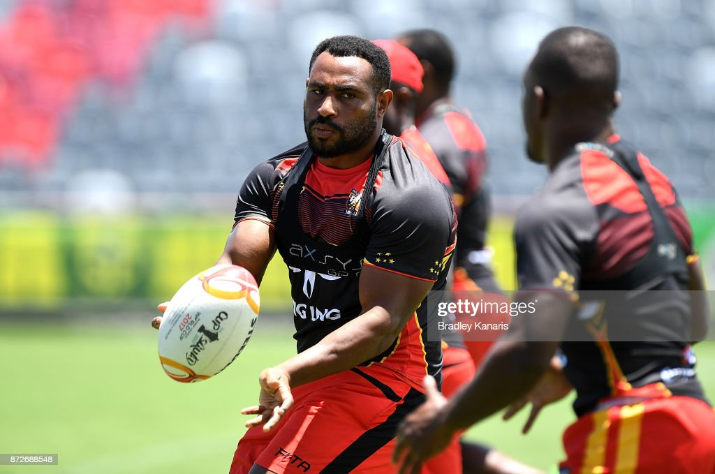 Stanton Albert passes the ball during a PNG Kumuls Rugby League World Cup captain's run on November 11, 2017 in Port Moresby, Papua New Guinea.