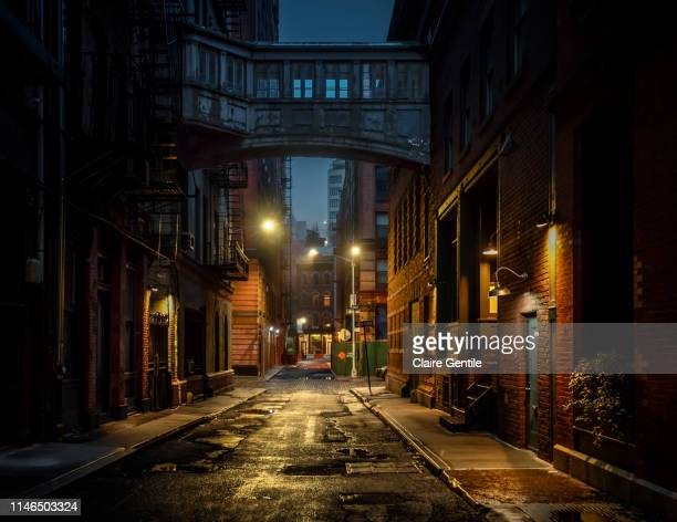 staple street skybridge - street stock pictures, royalty-free photos & images