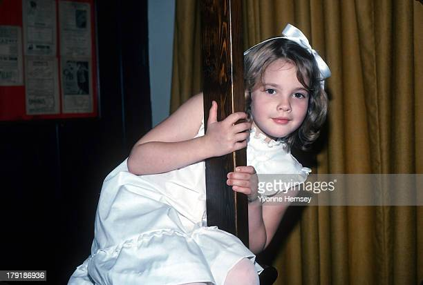 'ET' star Drew Barrymore poses for a photograph June 8 1982 in New York City