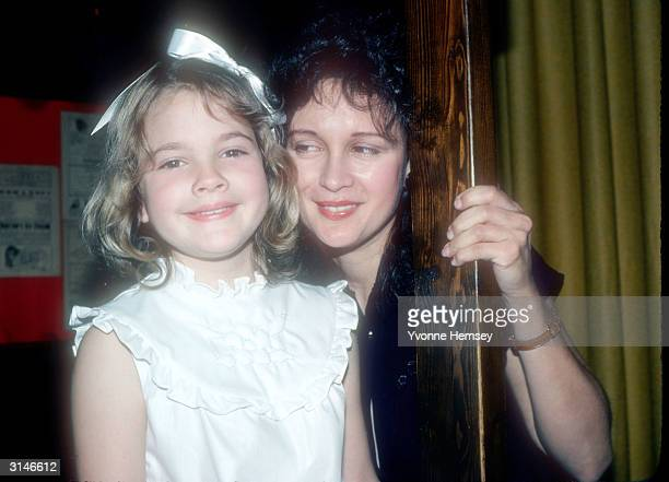 ET star Drew Barrymore poses for a photograph June 8 1982 with her mother Jaid Barrymore in New York City