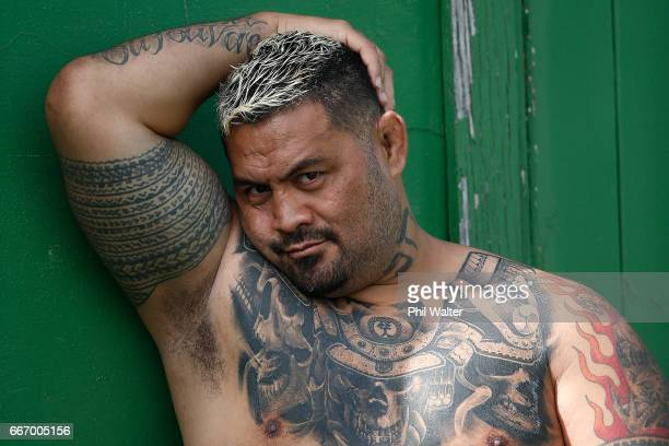 MMA star Mark Hunt was a guest during an Auckland Blues Super Rugby training session at Eden Park on April 11 2017 in Auckland New Zealand