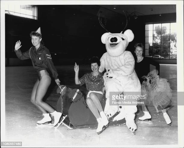 4 Star Performers in Dancing through time L to R Cathy Walker Maggie Smith Kay Milson amp Snowball the Bear At the Macquarie Ice Rink November 21 1986