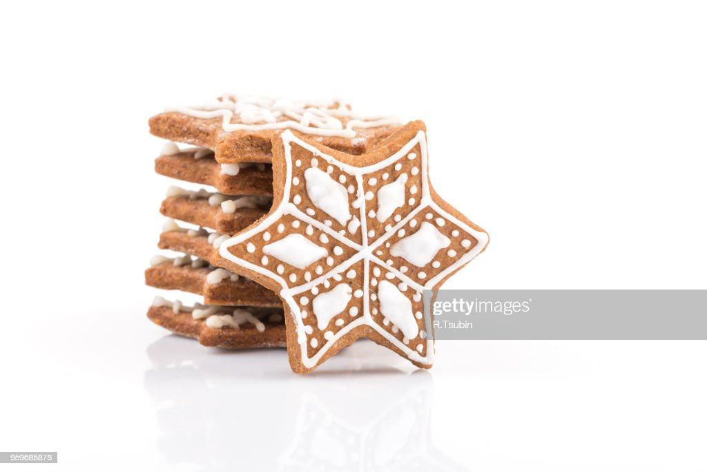 Star shape christmas gingerbread cookies isolated on white background : Stock-Foto
