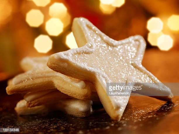 Sternförmiges Zuckergebäck in der Weihnachtszeit