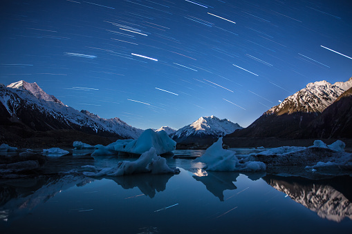 Star Trail over lake and mountains, Mount Cook, New Zealand - gettyimageskorea