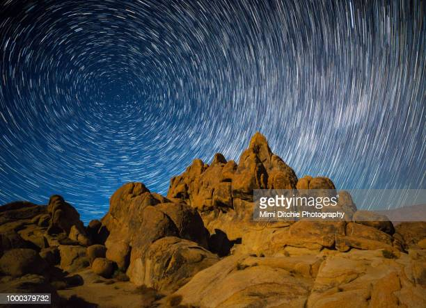 star trails over the eastern sierra nevada - north star stock pictures, royalty-free photos & images