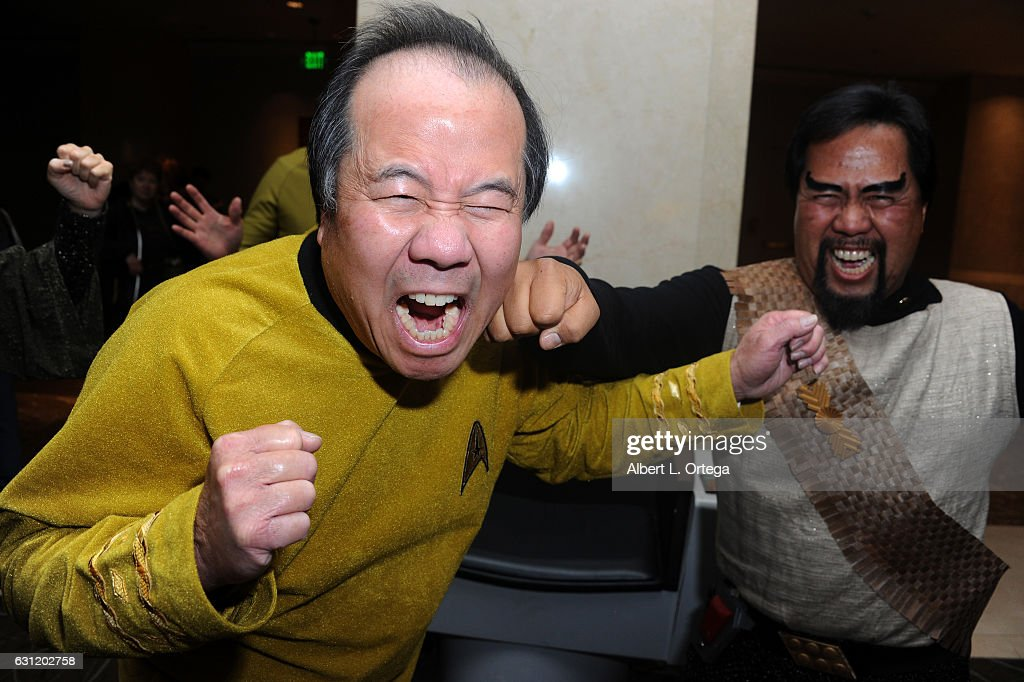 Star Trek David Cheng and Bill Arucan spar at The Hollywood Show held at The Westin Los Angeles Airport on January 7, 2017 in Los Angeles, California.