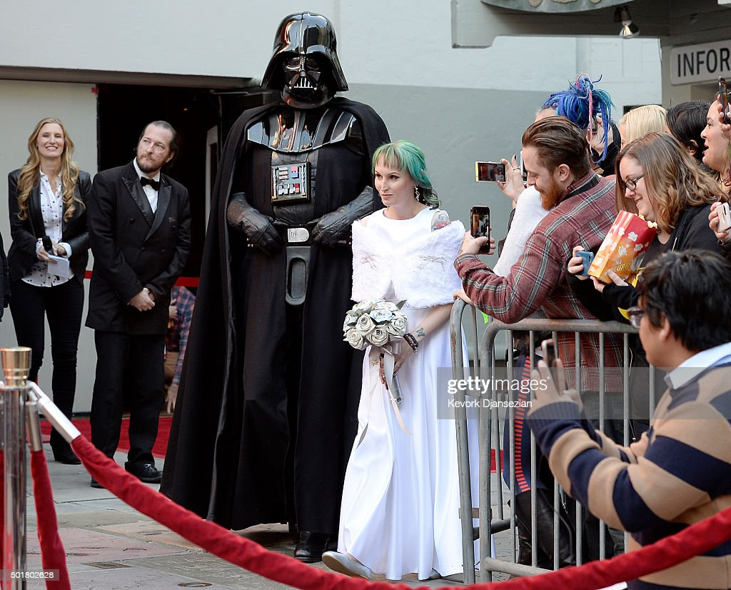 "Two ""Star Wars"" Fans Get Married In The Forecourt Of The TCL Chinese Theatre : News Photo"