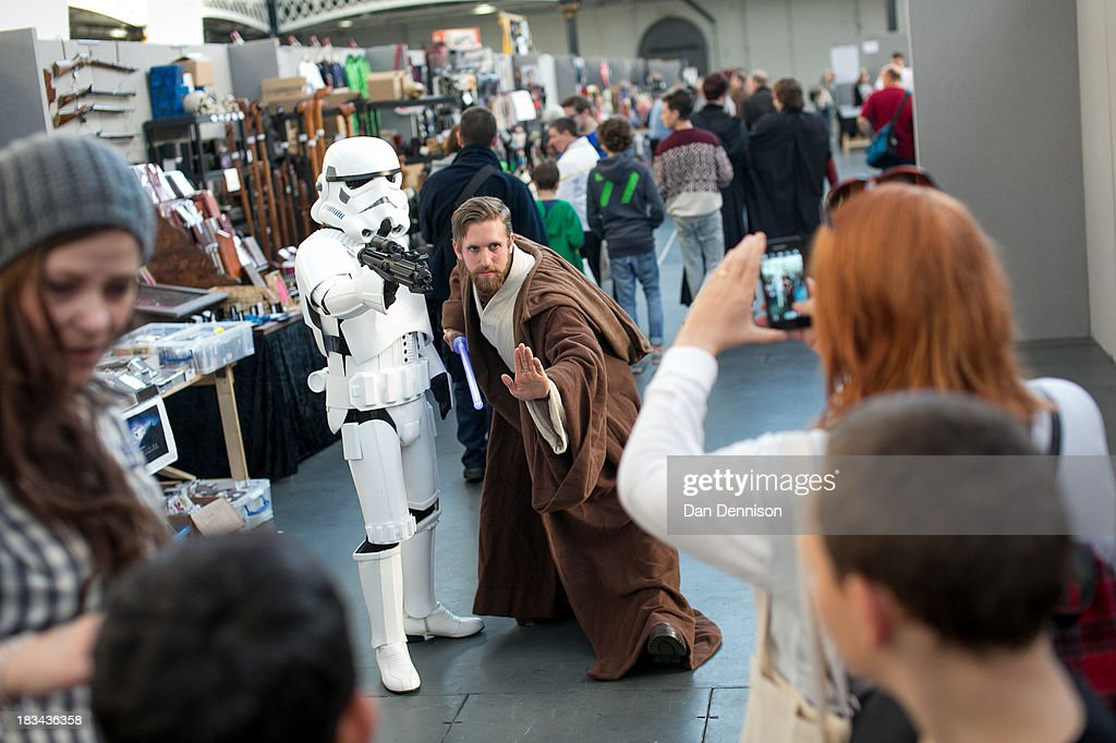 London Film And Comic Con Fans Gather For Their Winter Convention : News Photo