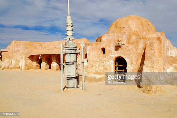 """""""star wars"""" location in tunisia - star wars stock pictures, royalty-free photos & images"""