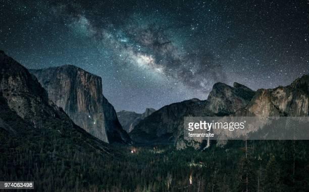 stargazing at yosemite national park - yosemite nationalpark stock pictures, royalty-free photos & images