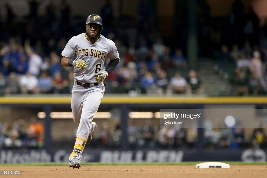 Pittsburgh Pirates v Milwaukee Brewers : News Photo