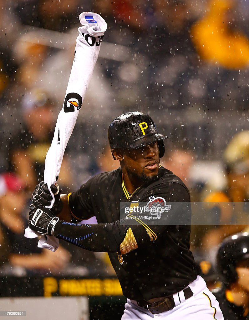 Cleveland Indians v Pittsburgh Pirates