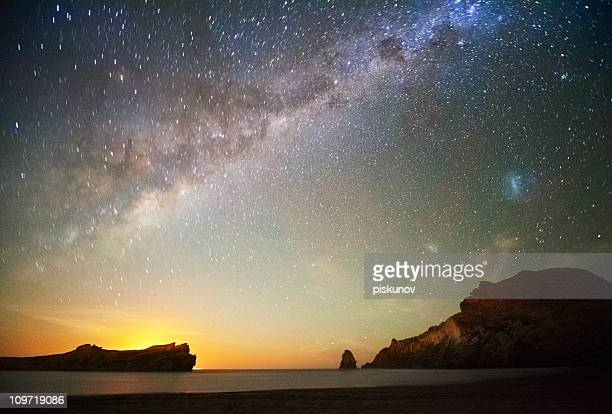Estrellas en la playa al atardecer