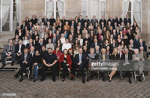 Stars Rally For Art Professions. Group photo of stars is mobilizing for the 217 trades of art in the courtyard of the Ministry rue de Varenne in...