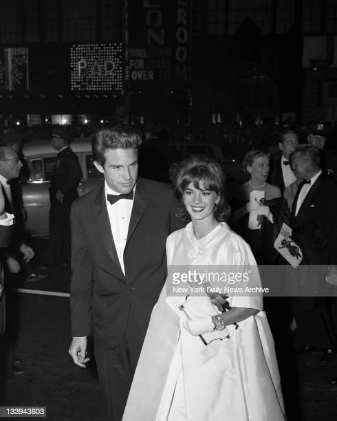 Stars Shine At West Side Story Natalie Wood 'West Side Story' costar arrives at Rivoli theatre for premiere of film with Warren Beatty who is coming...