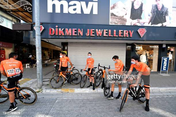 Start / Julen Irizar Laskurain of Spain, Garikoitz Bravo Oiarbide of Spain, Ibai Azurmendi Sagastibeltza of Spain, Peio Goikoetxea Goiogana of Spain,...