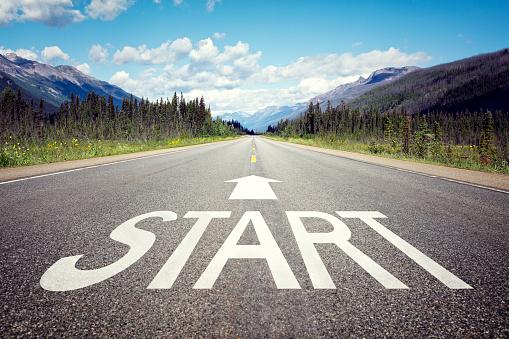 Start line on the highway 665037818