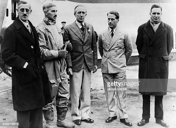 Start of the Houston Mount Everest expedition Mr Shepherd Flight Lieutenant DF McIntyre Commodore Fellows Lord Clydesdale and Mr Hughes before the...